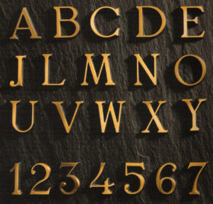 Letra Romana en Bronce